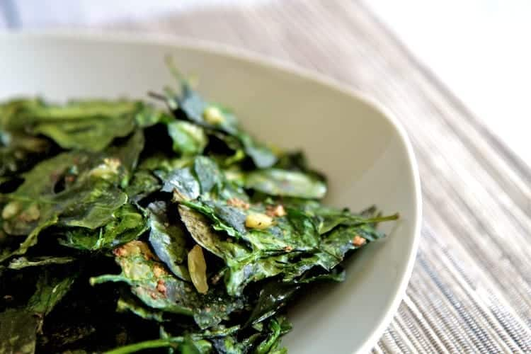 baked garlic spinach chips 4