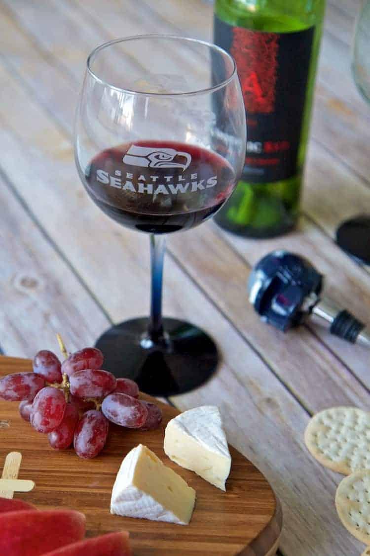 seahawks wine glass