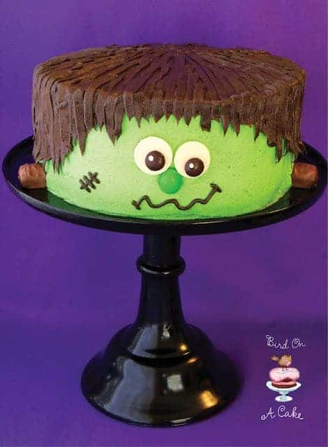 10 Halloween Cakes and Cupcake Recipes