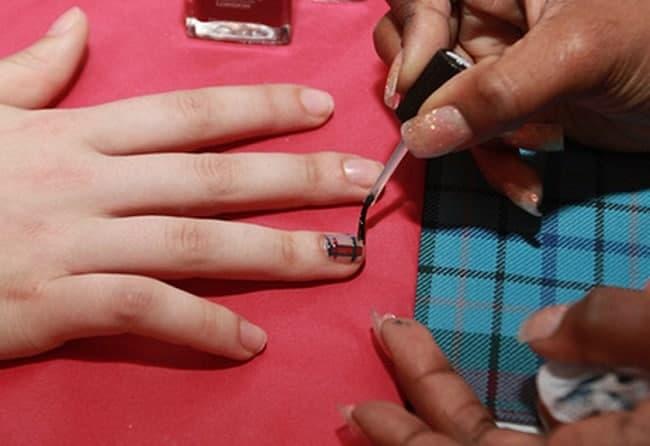 DIY Scottish Tartan Nails
