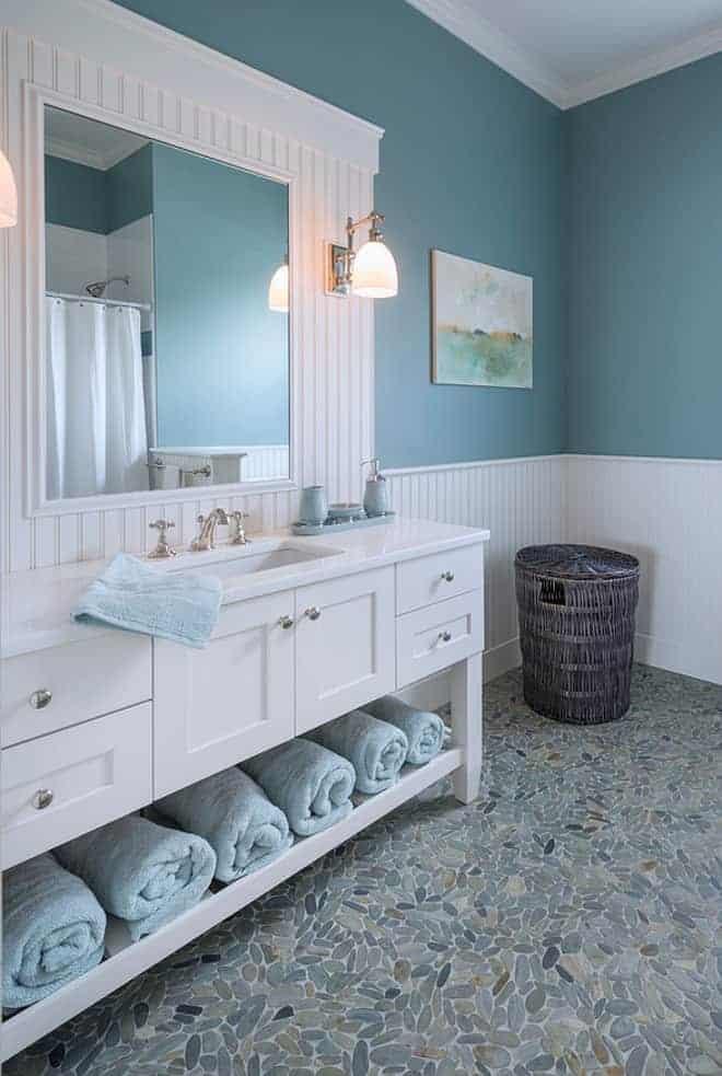 Beach Cottage Bathroom 1