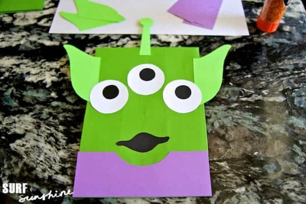 diy disney toy story alien craft  party favor bags  u2013 surf