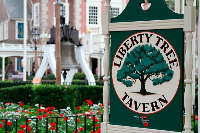 Walt Disney World Magic Kingdom Park liberty tree  tavern