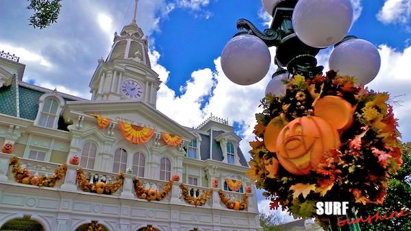 WDW City Hall - Halloween