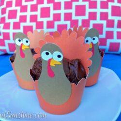 DIY Thanksgiving Turkey Cupcake Wrappers