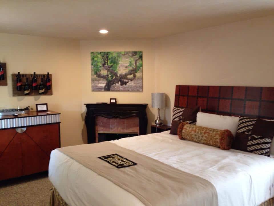 Vendange Carmel room
