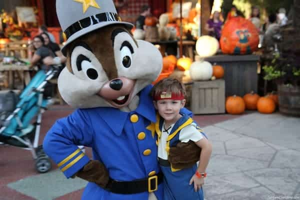 mickeys not to scary halloween party disneyland 2