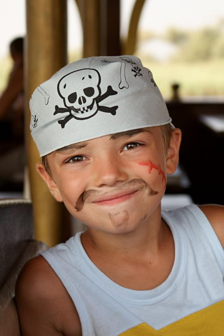 easy pirate costume for kids