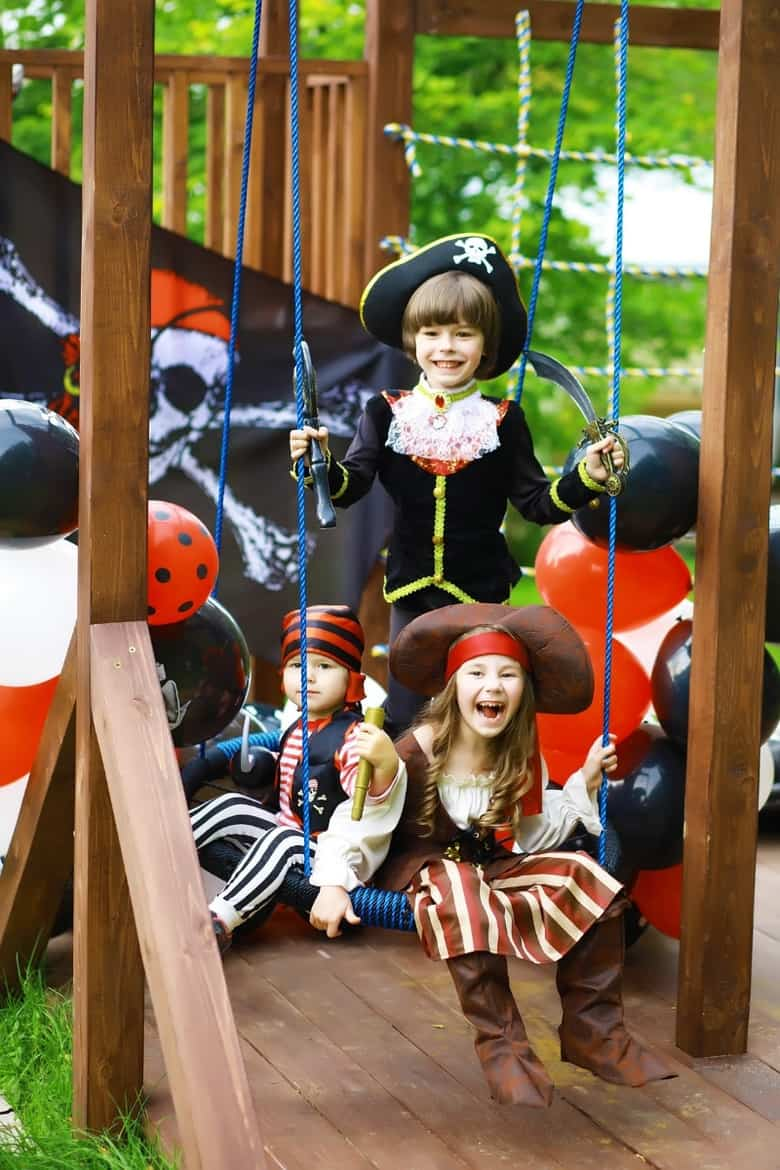 kids at a pirate birthday party