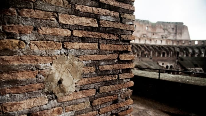 roman colosseum wall