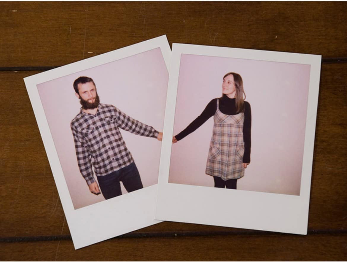 polaroid picture ideas couple holding hands