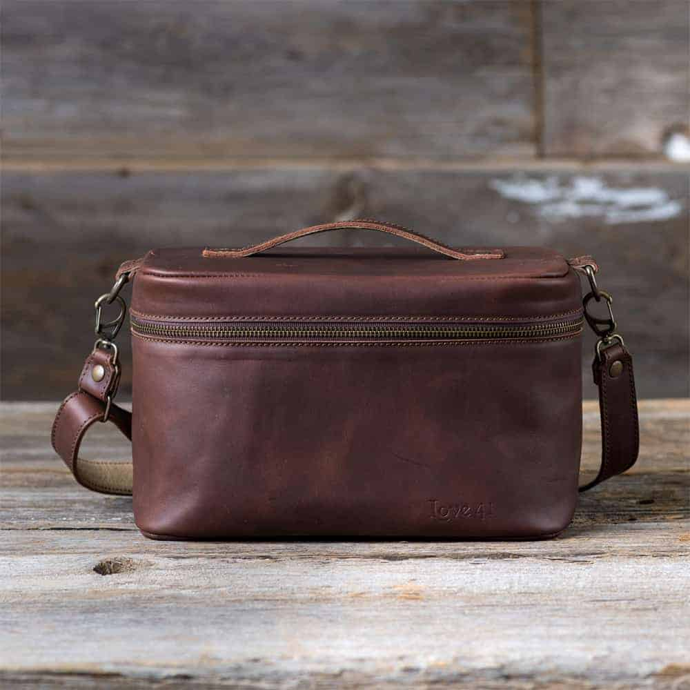 1506087816 love41 toiletry bag - Holiday Gift Guide 2017: Gifts That Give Back