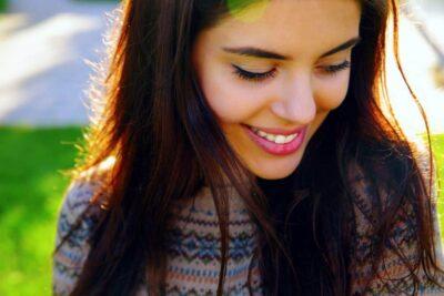 closeup portrait of a happy beautiful woman PLJXPS3
