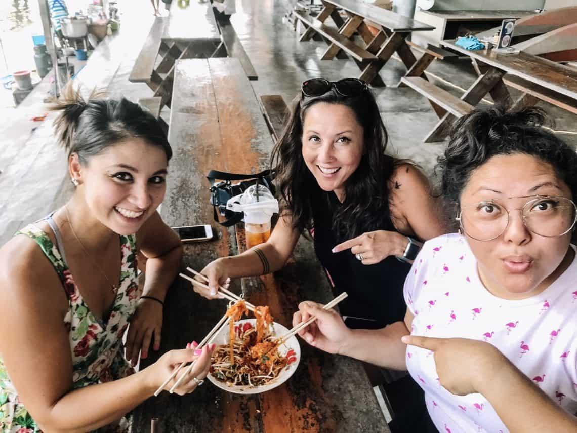 girls friends eat food thailand
