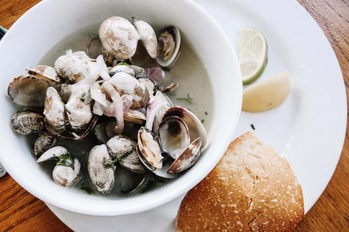 Steamed clams at Santa Barbara Shellfish Company
