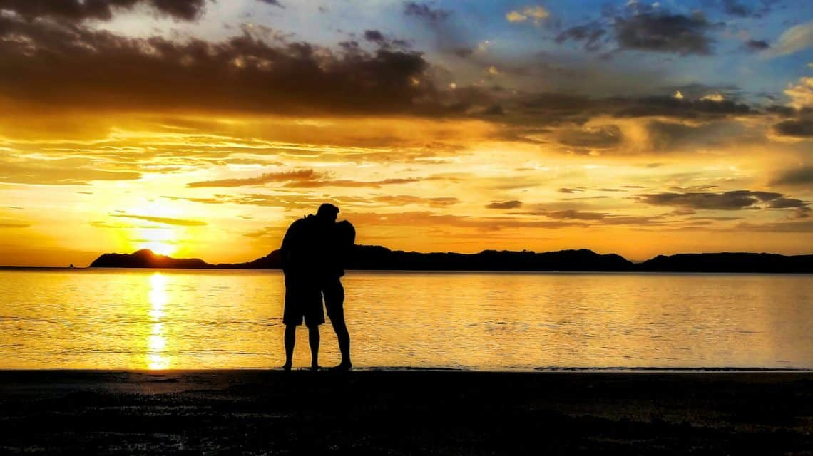 sunset kiss costa rica