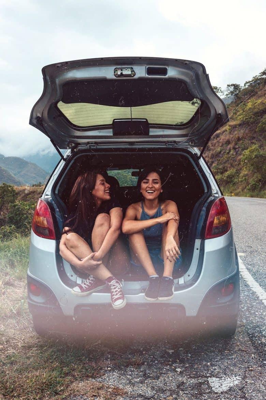friends roadtrip car
