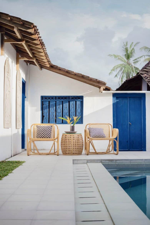 blue pool decor