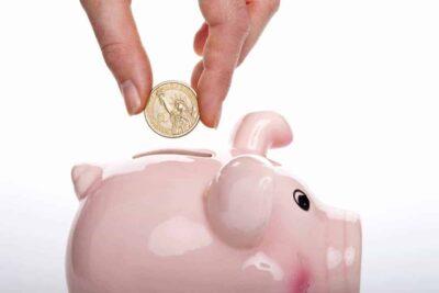 save money in a piggy bank