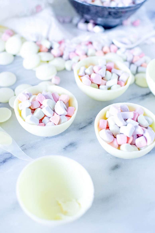 DIY Hot Chocolate Bombs: Pot of Gold White Chocolate Bomb Recipe