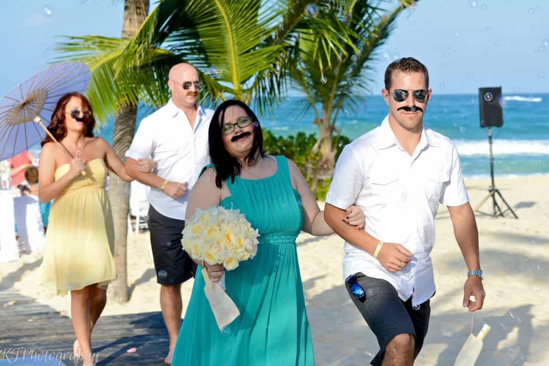 fun bridesmaid pictures