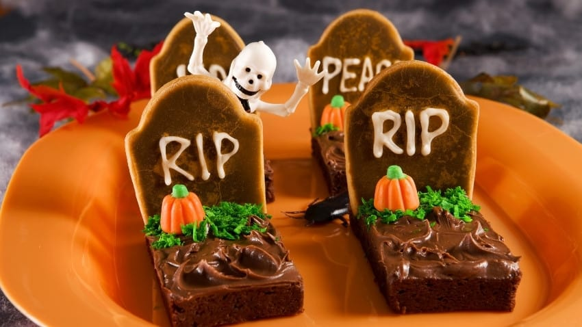 RIP Gravestone Brownies