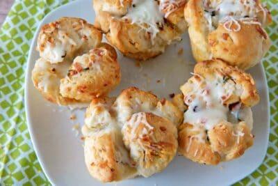 mini cheesy garlic and bacon pull apart bread recipe
