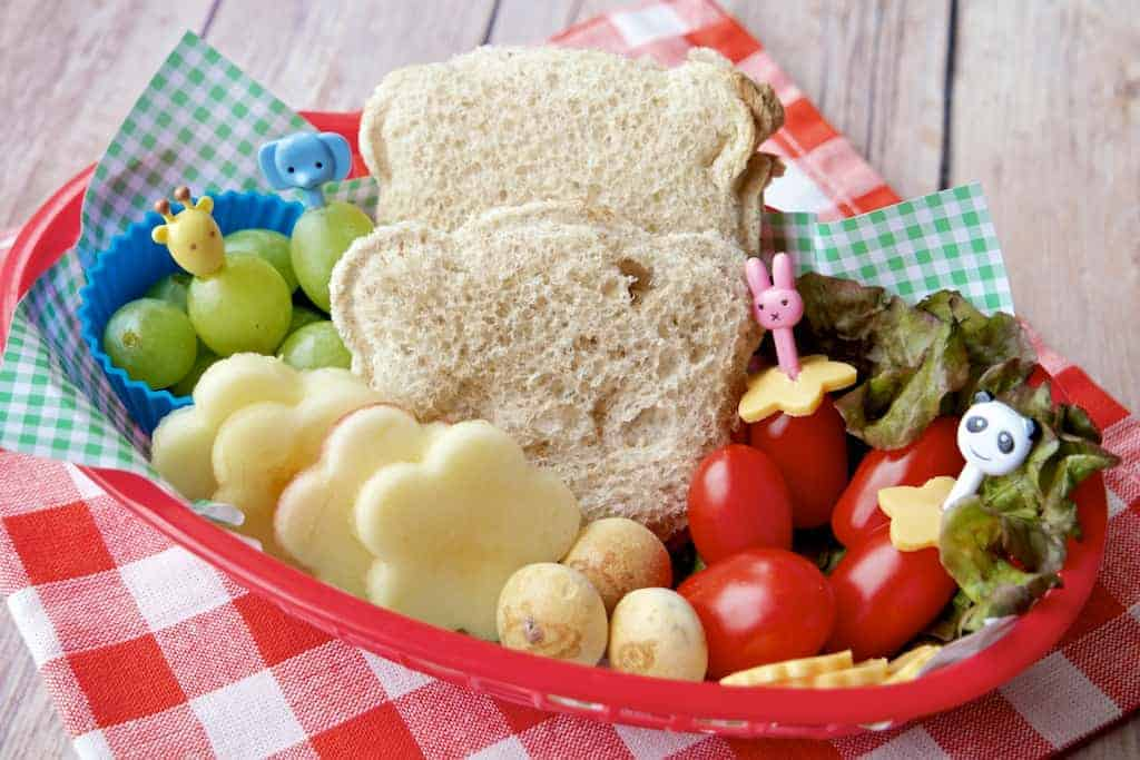 Simple Truth PB and J Bento 10 - Fun with Bread: Cute Bento Box Sandwich Recipes