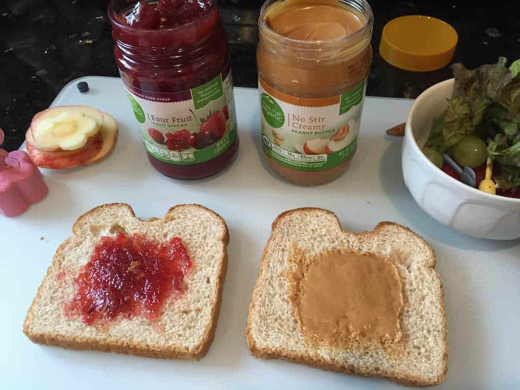 Simple Truth PB and J Bento 5 - The New and Improved Peanut Butter and Jelly Lunch