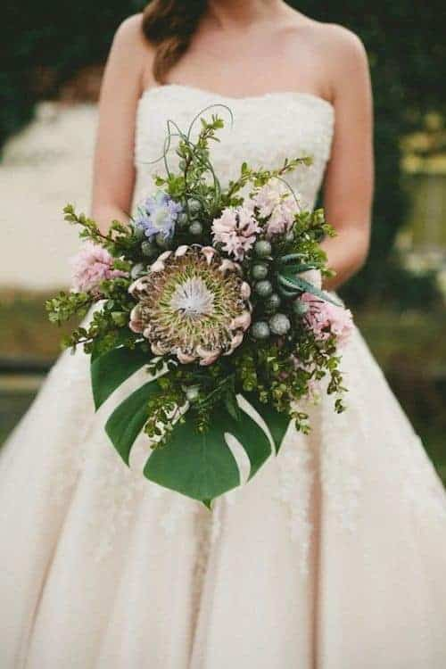 9 Gorgeous Tropical Wedding Bouquets Surf And Sunshine