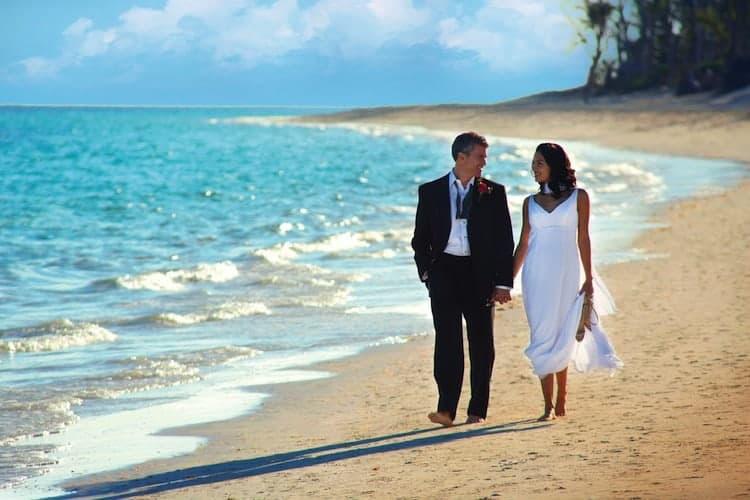 Wedding-Beach-WalkRET