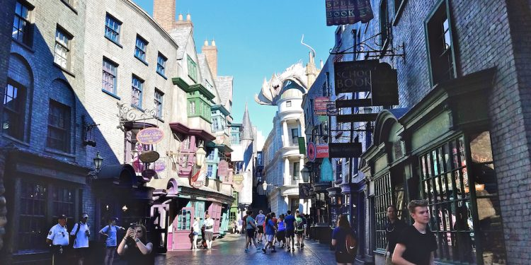diagon alley 750x375 - 13 Hidden Secrets of Harry Potter's Diagon Alley