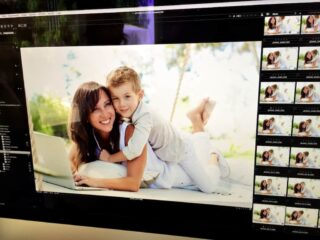 jeana travels blogger with son