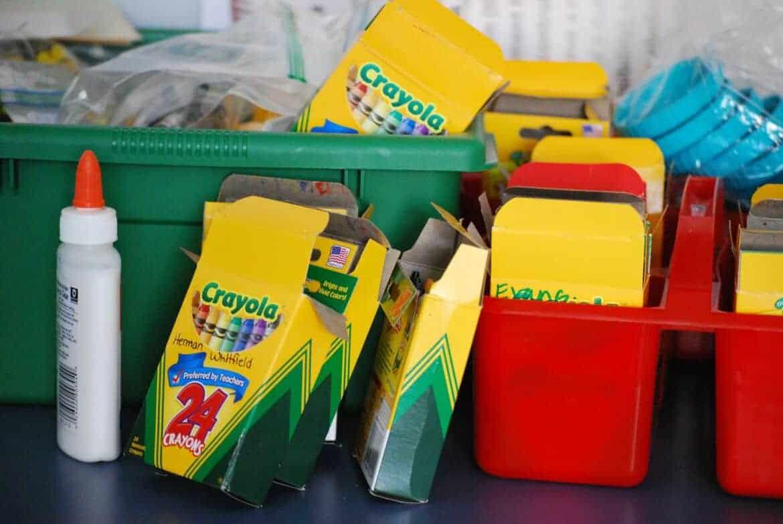 school supplies 488381 1920