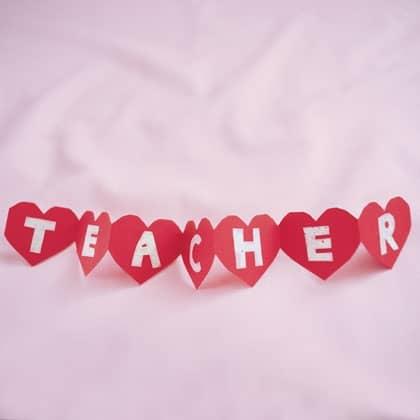 string of hearts valentines day craft photo 420 0298 FFR02086