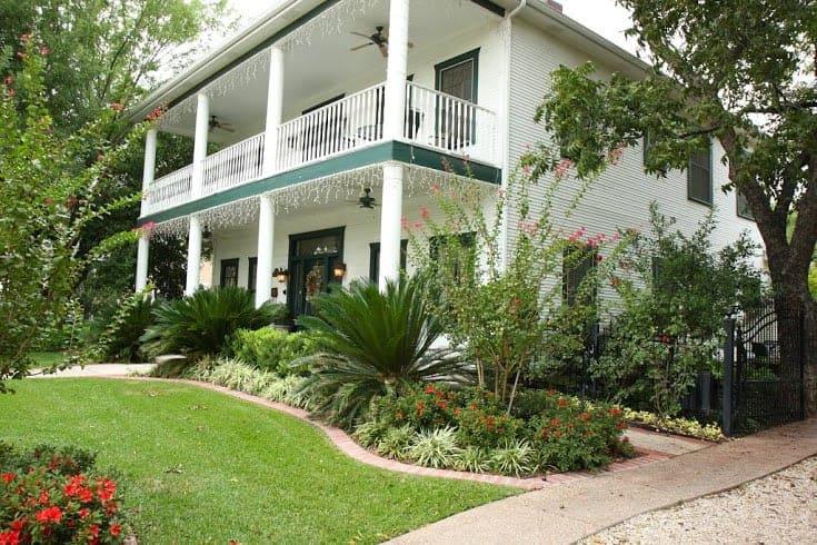 garden-manor-bed-breakfast-inn