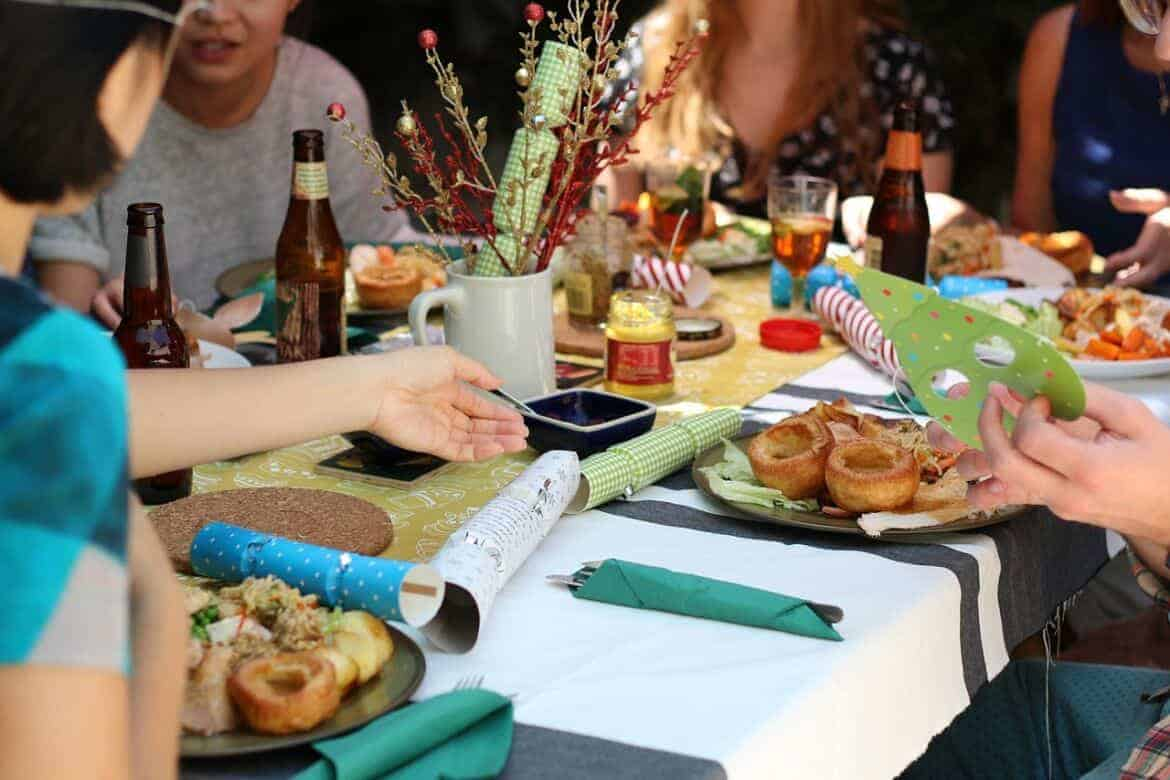 friends 581753 1280 - Outdoor Party Ideas: 20 Ways to Spice Up Your Picnic or Outdoor Party this Summer