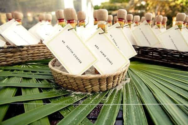 15 Unique DIY Wedding Favors