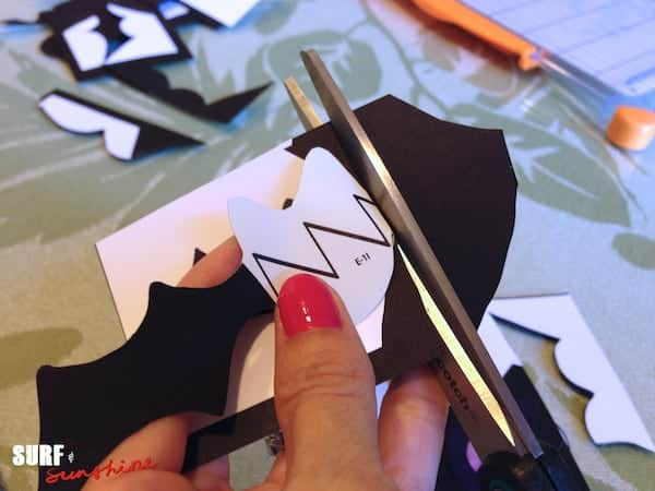 DIY Bat Family Sticker Decorations 10