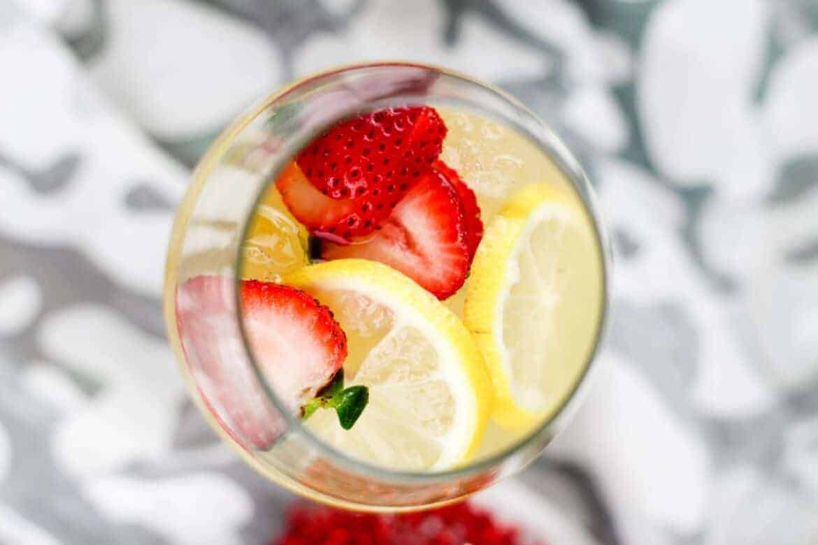 boozy strawberry lemonade recipe