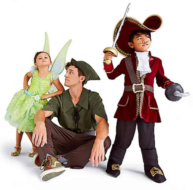 Peter pan 2 - Check Out These 22 Amazing Family Halloween Costume Ideas