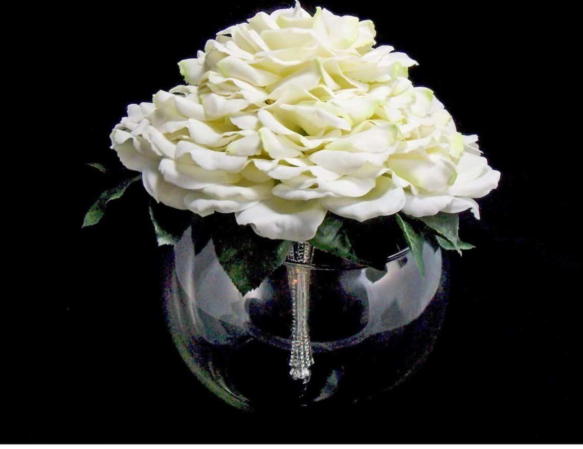 glamelia 15 1140x878 - 20 Stunningly Gorgeous Glamelia Bridal Bouquets