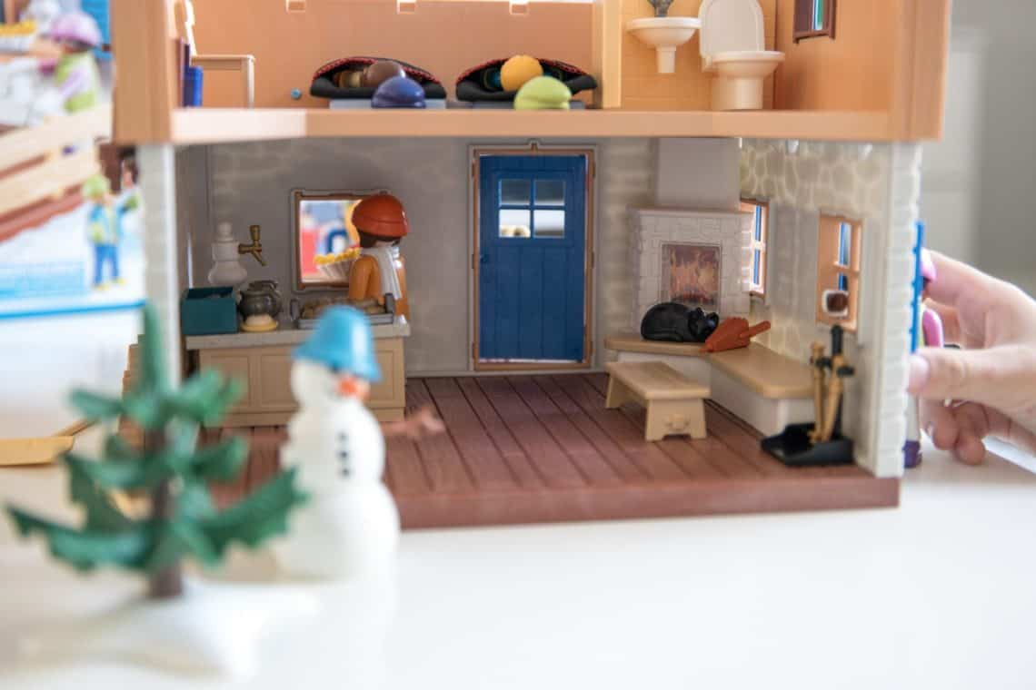 playmobil ski lodge
