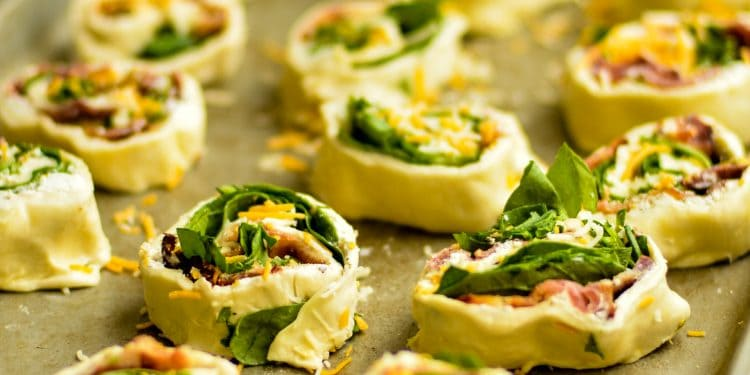 Bacon and Spinach Pinwheels Recipe