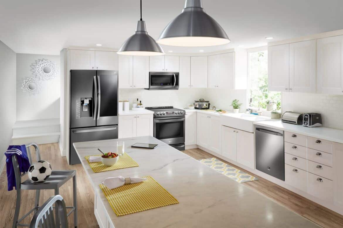 Dept4 LG Classic Kitchen C NoExp 0 - Six Kitchen Design Trends We Love for 2017