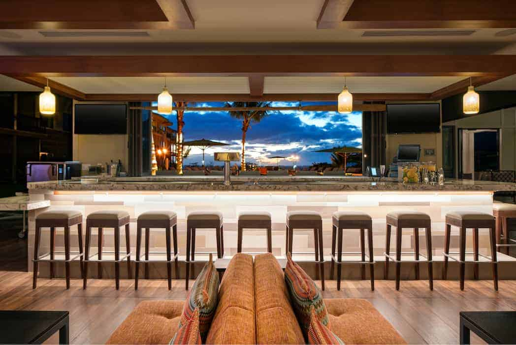 HNMRI Bar at Night - Residence Inn Maui Puts the Relaxation Back in Vacation for Parents