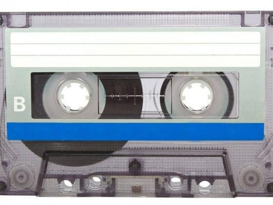 cassette tape 164396 1280 e1489436528880 560x420 - 90s Songs We Can't Stop Singing