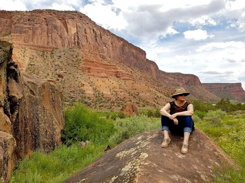 gateway canyons dinosaur track tour