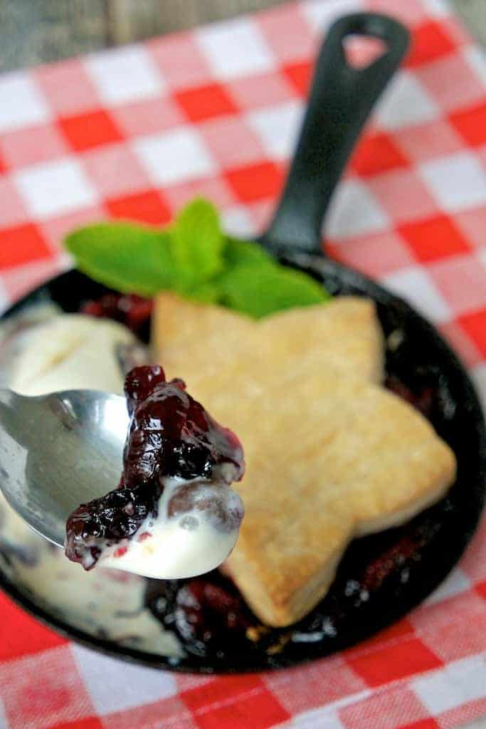 mini mixed berry cobbler recipe