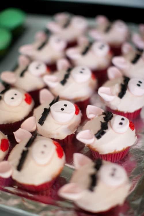 Miss Piggy Cupcakes